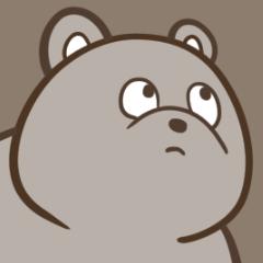 どっか見てるクマ